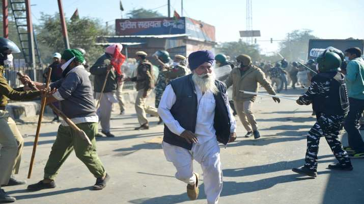 Security personnel and farmers clash as protestors attempt to cross Singhu Border during Delhi Chalo