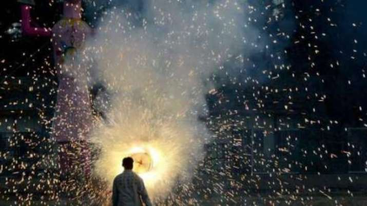 Cities in Uttar Pradesh defy firecracker ban, AQI zooms