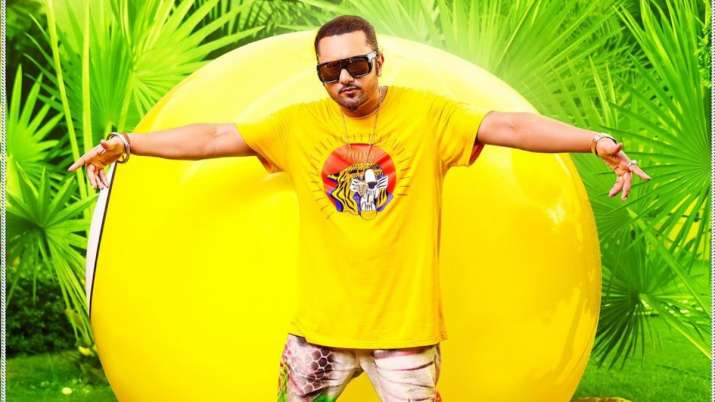 Honey Singh's latest funky track 'First Kiss' trends on YouTube