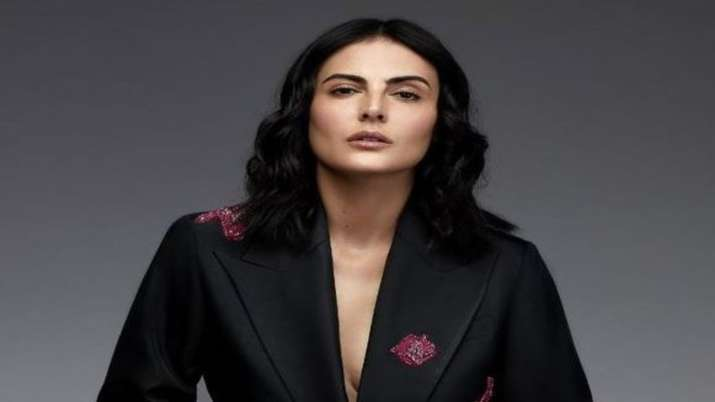 Mandana Karimi accuses her film Koka Kola's producer of sexually harassing her at workplace