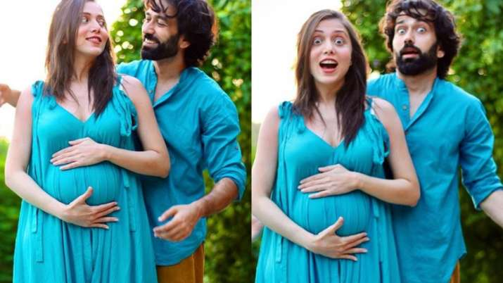 Nakuul Mehta and wife Jankee Parekh's pregnancy announcement is super  adorable. See pics and video | Tv News – India TV