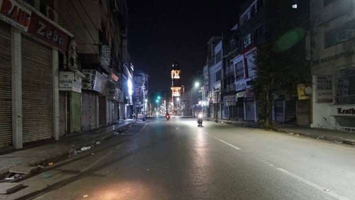 Strict police in night curfew