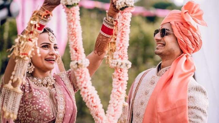 India Tv - Priyanshu Painyuli marries girlfriend Vandana Joshi