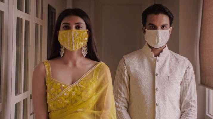 Kajal Aggarwal shares engagement photos with Gautam Kitchlu in mask | Pics