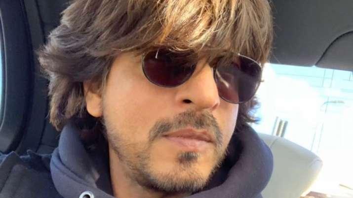 Kareena Kapoor, Madhuri Dixit, Juhi Chawla, others wish Shah Rukh Khan on his 55th birthday