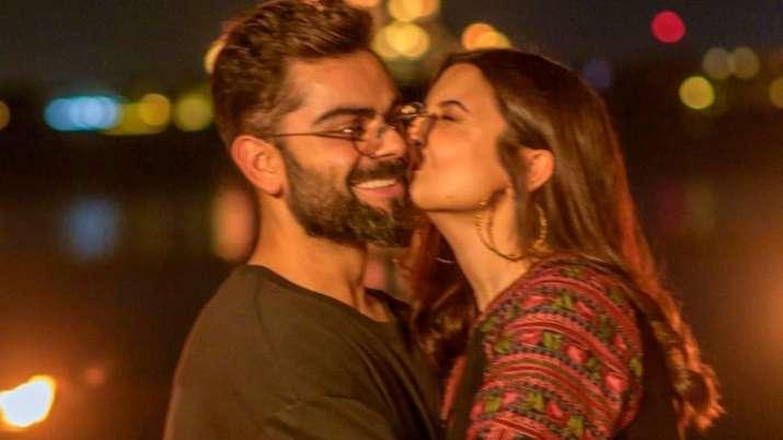 Anushka Sharma shares lovestruck photos with Virat Kohli