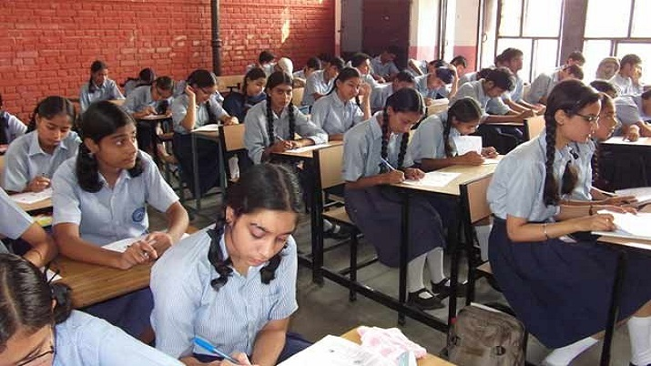 2 lakh private school students in Andhra shift to govt schools