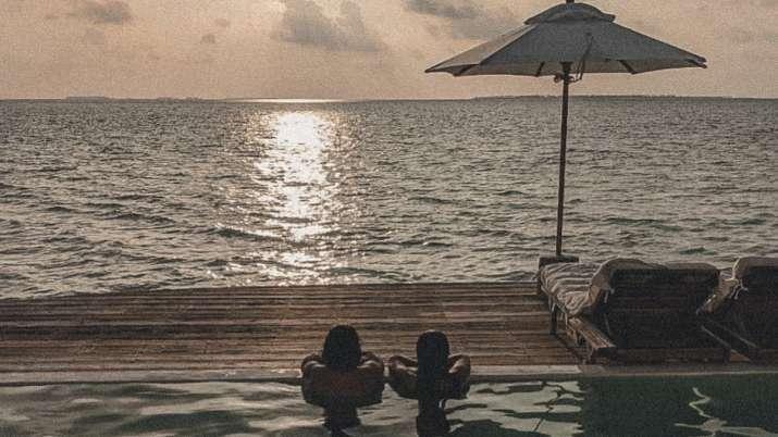 Guess where Farhan Akhtar, girlfriend Shibani Dandekar are holidaying? Maldives, obviously!