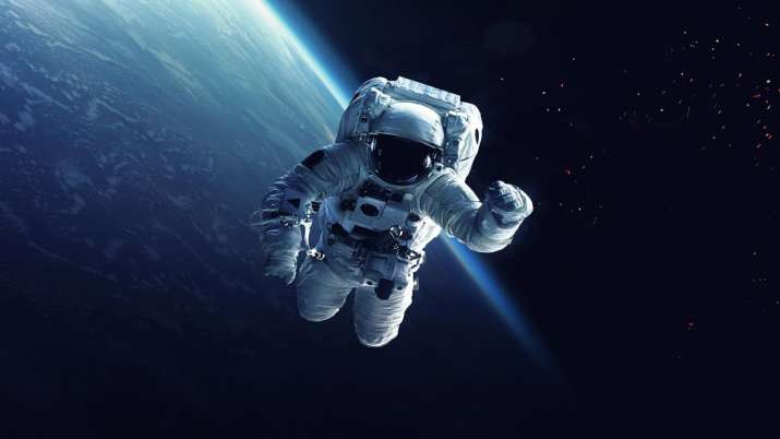 Space missions, astronauts, geriatric health issues