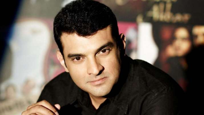 Siddharth Roy Kapur appeals to Maha govt to provide incentives to filmmakers, exhibition sector