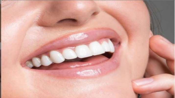 Poor oral hygiene be a risk factor for COVID-19: 5 tips to take care of your dental health