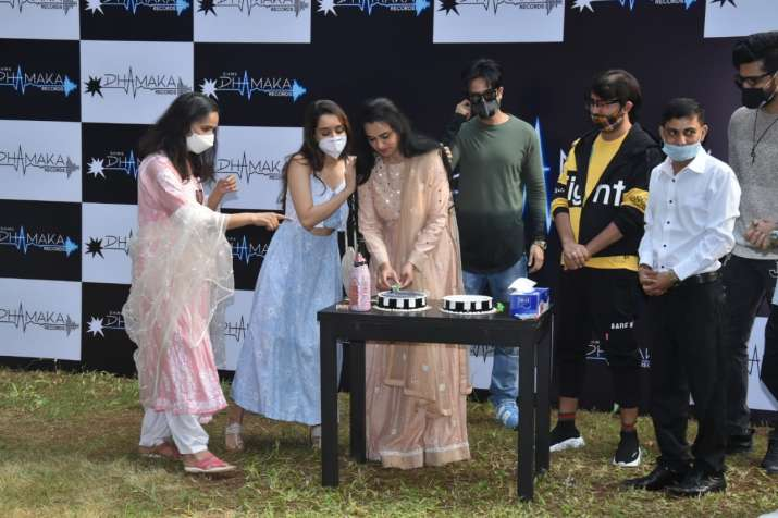 India Tv - Padmini Kolhapure's birthday bash