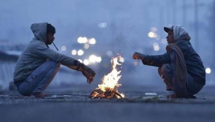 Delhi's minimum temperature dips to 9.6 deg C