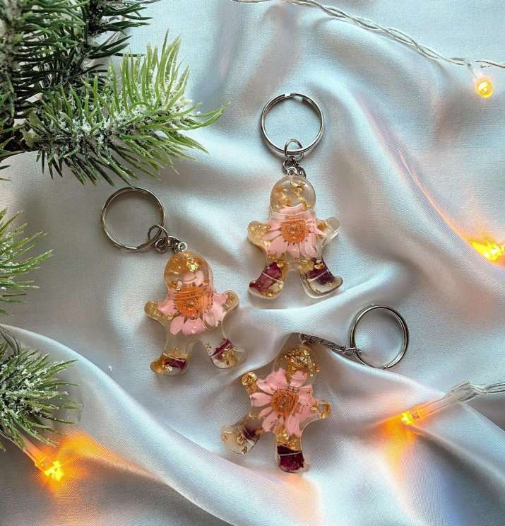 India Tv - Personalised keychains are one of the best gifts to fit in the occasion.