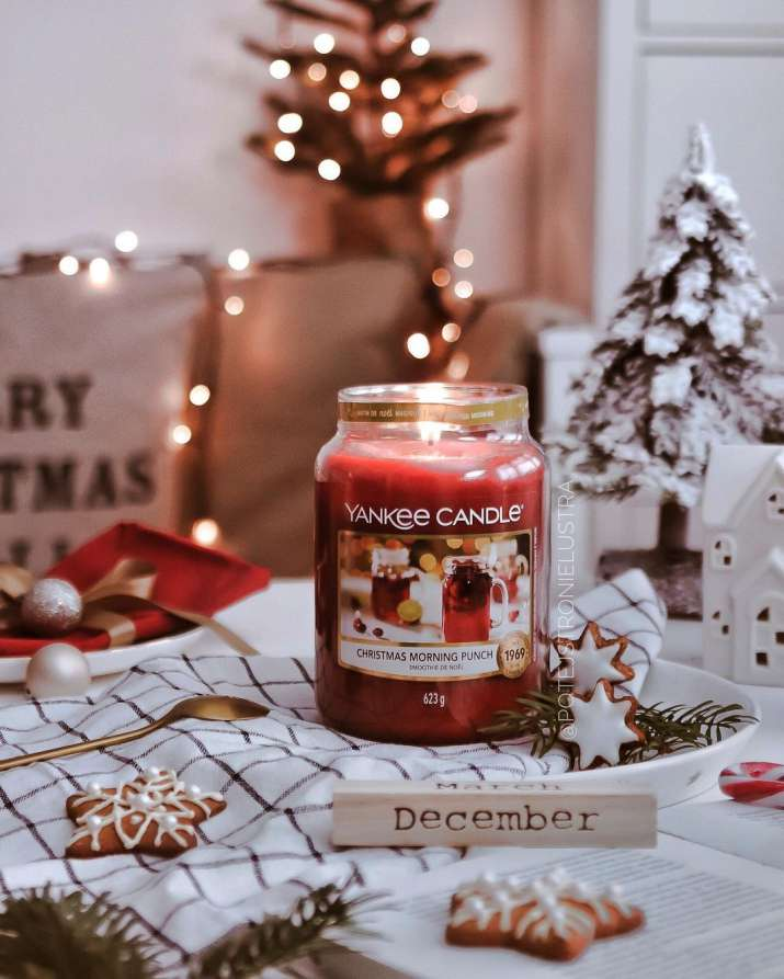 India Tv - Nothing can match the festive mood better than seasonal Christmas scent scented candles