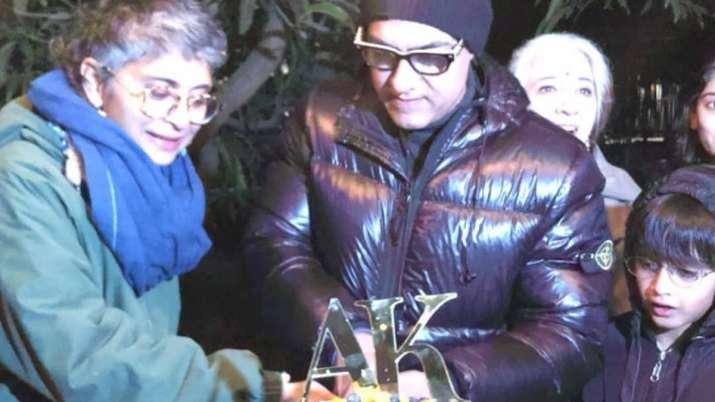 Singing 'Tum Bin' to cutting cake: How Aamir Khan, Kiran Rao celebrated their 15th wedding anniversa