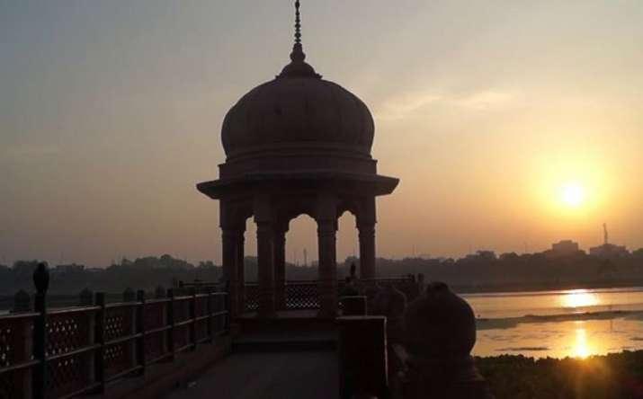 lucknow gulala ghat
