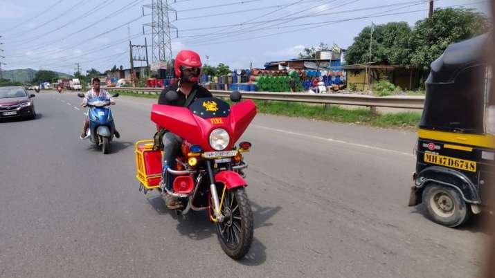 India Tv - Mumbai fire brigade bikes, mumbai bikes, mumbai fire brigade, mumbai fire bikes narrow lanes,