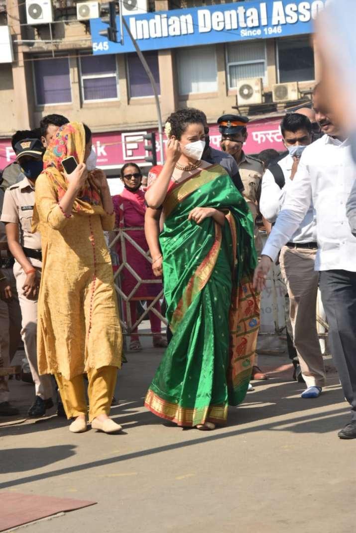 India Tv - Kangana Ranauat at Sidhi Vinayak temple