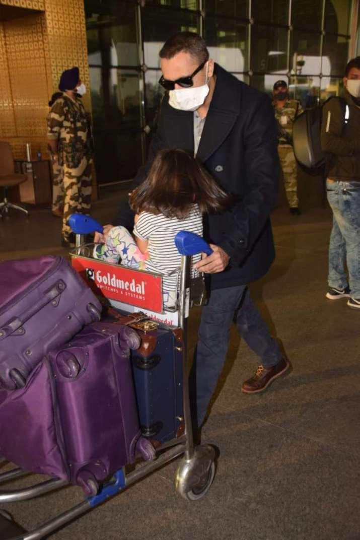 India Tv - Aamir's nephew Imraan Khan with daughter