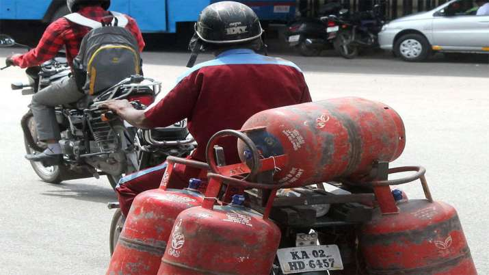 Commercial LPG price hiked by Rs 50; here's how much it will cost in Delhi, Mumbai and Kolkata