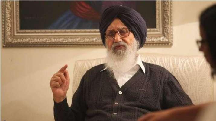 Former Punjab CM Parkash Singh Badal returns Padma Vibhushan to protest against farm laws