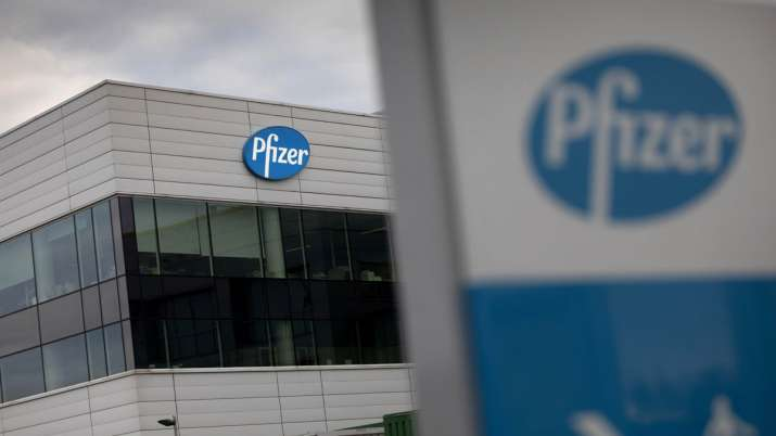 US CDC director signs recommendation to use Pfizer-BioNTech's vaccine