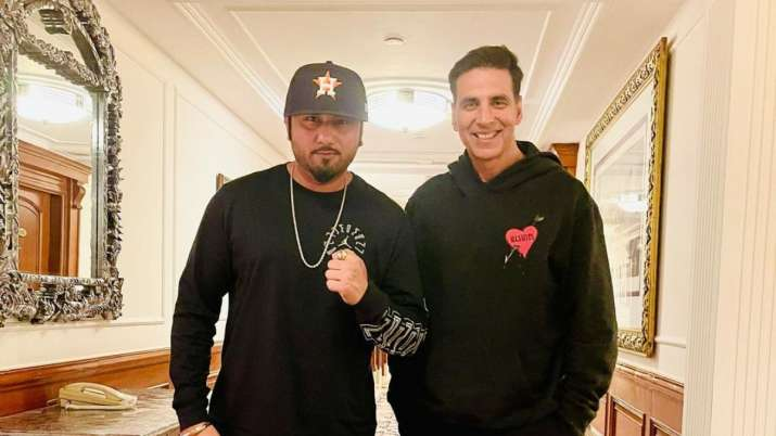 Akshay Kumar and Yo Yo Honey Singh pose for a happy picture as they catchup in Delhi