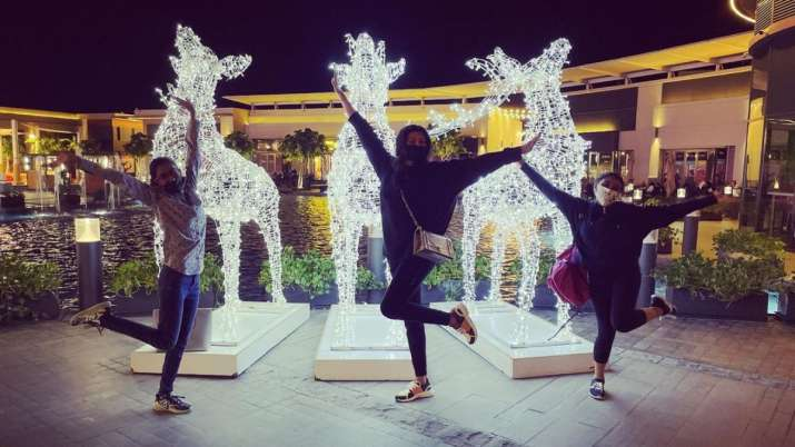 Rohman Shawl 'lifelines' Sushmita Sen 'glows in the dark' with daughters Renee, Alisah in Dubai