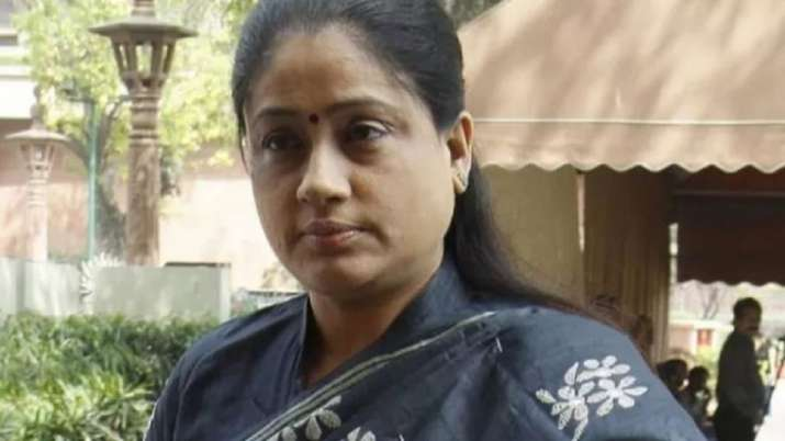 Actor-turned politician Vijayashanthi joins BJP