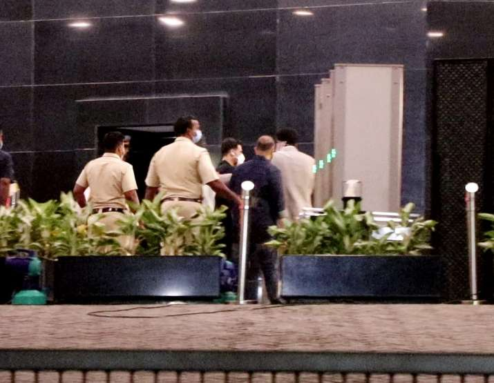 India Tv - Akshay Kumar meets UP Chief Minister Yogi Adityanath in Mumbai