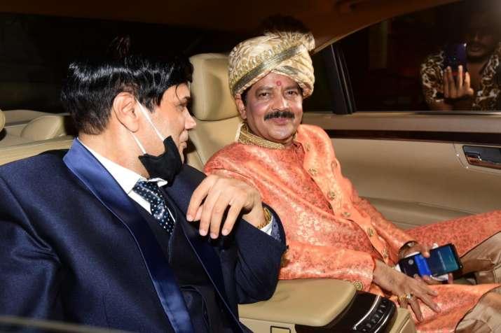 India Tv - Udit Narayan after Aditya's wedding