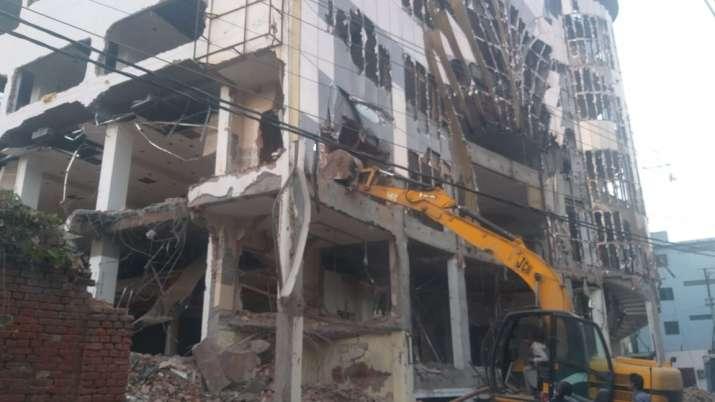Lucknow: 3-storey Dragon mall bulldozed in crackdown