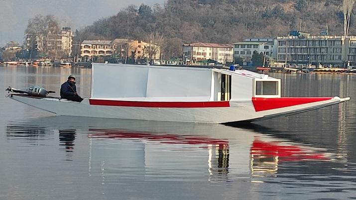 India Tv - Srinagar's Dal Lake first floating ambulance service