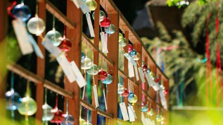 Vastu Tips: Keep these things in mind when buying a wind chime