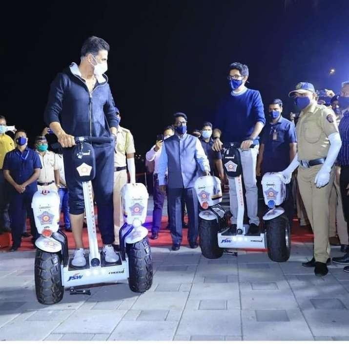 India Tv - Akshay Kumar attends Mumbai Police event with Aaditya Thackeray, Anil Deshmukh; check pics