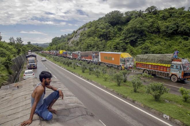 Jammu-Srinagar Highway closed due to bridge damage, no