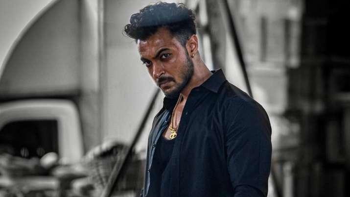 Aayush Sharma looks fierce as gangster 'Rahuliya' from 'Antim.' Seen his poster yet?
