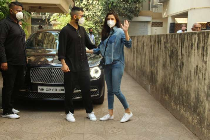 India Tv - Anushka Sharma, Virat Kohli's FIRST PICS after welcoming baby girl. Check out