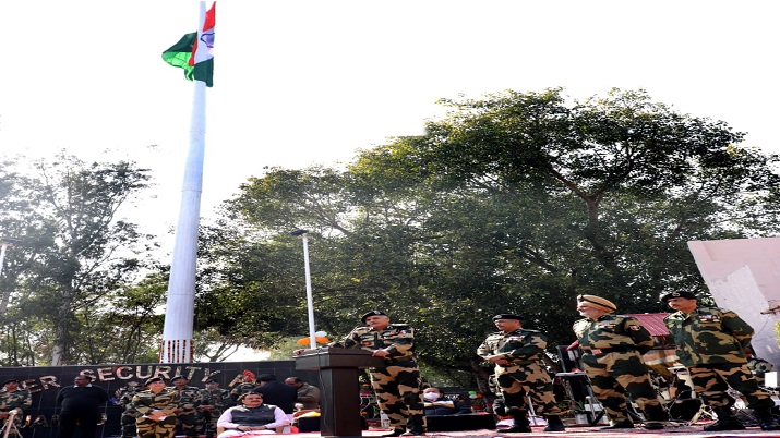 BSF unfurls tallest 131-feet-high tricolour along Indo-Pak border in Jammu thumbnail