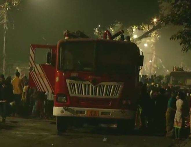 Fire breaks out at Kolkata's Baghbazar, cylinders explode;