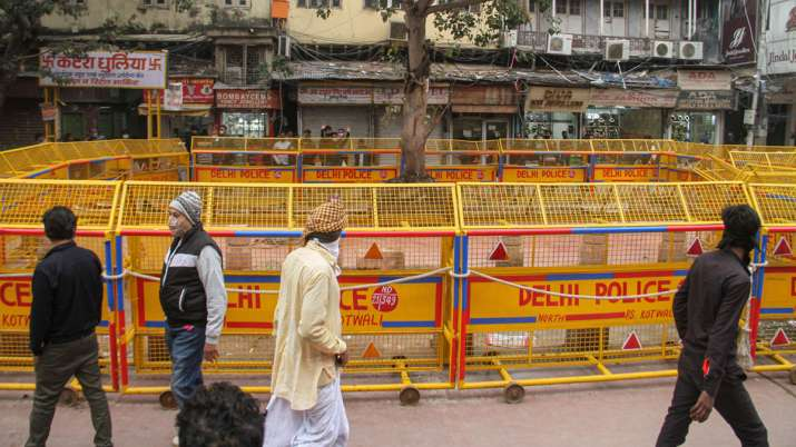BJP, AAP trade charges over demolition of Hanuman temple in Chandni Chowk area of Delhi, Scores of a