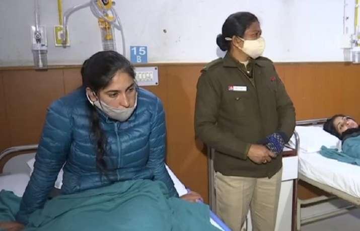 'Couldn't move, it was scary': Delhi lady cop recounts