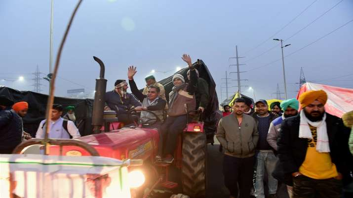 Farmers stage a protest against Centres farm reform laws at