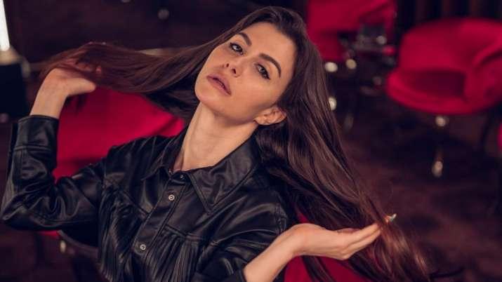 Fans go gaga over Italian beauty Giorgia Andriani's sizzling swimsuit avatar