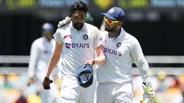 IND vs AUS   'Straight out of service station?' - Warne, O'Keeffe roast Rishabh  Pant over his neon glasses   Cricket News – India TV
