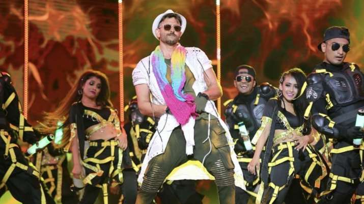 Happy Birthday Hrithik Roshan: Get set groove on megastars top 5 dance numbers
