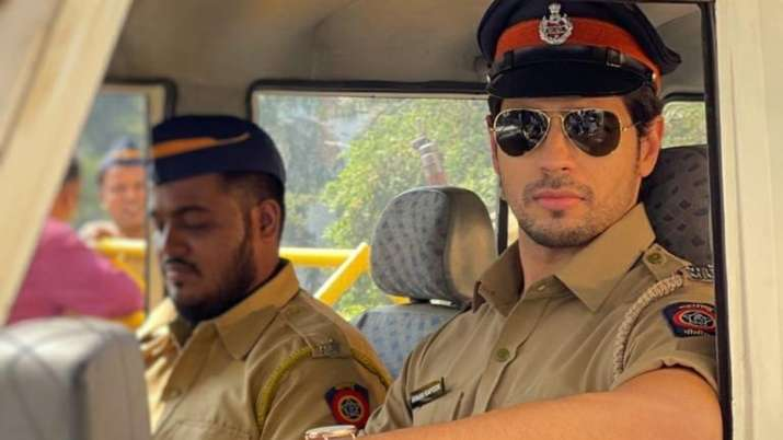 Sidharth Malhotra shares sneak peek from 'Thank God' shooting, looks suave as cop