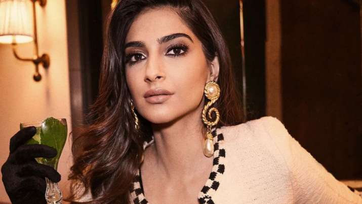 Sonam Kapoor's mantra: Take yourself out on date, indulge in carbs