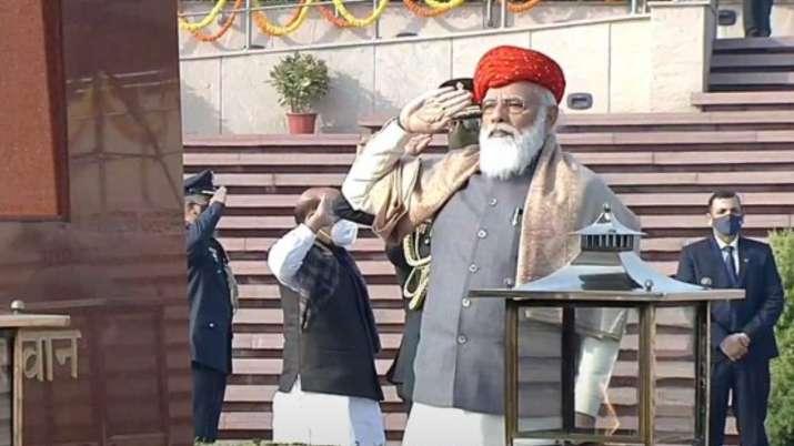 PM Narendra Modi sports special Jamnagar Paghdi on 72nd Republic Day